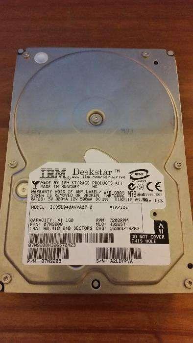 """Disco (HDD) de desktop IDE 3.5"""" IBM Deskstar 40GB - IMPECÁVEL."""