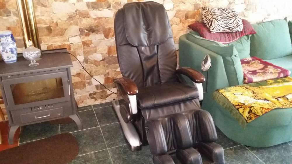 Cadeira de massagens toda automática com computador de bordo