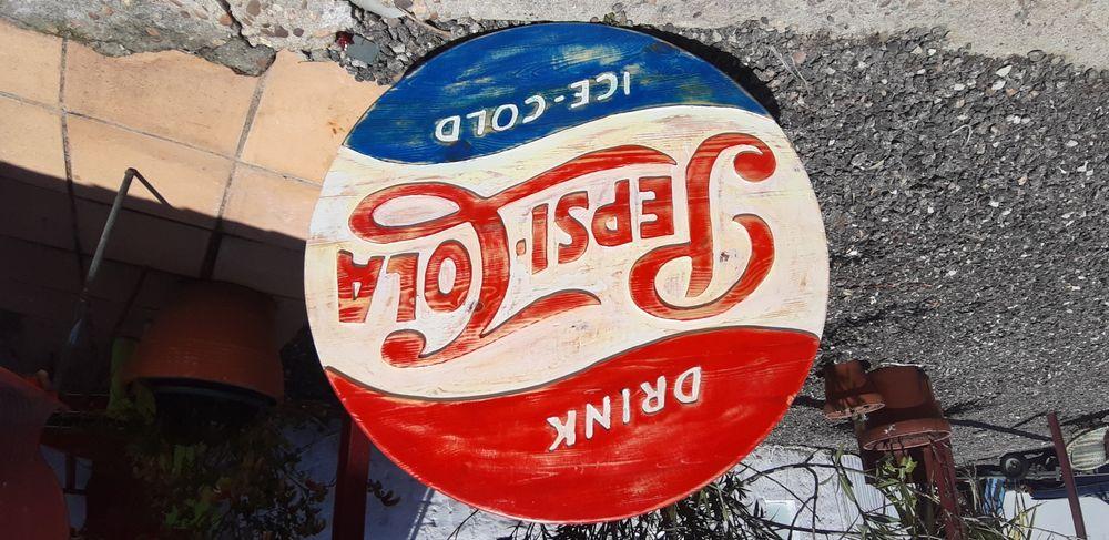 Placa em madeira de pinho maciça Pepsi Cola vintage 77cm diametro
