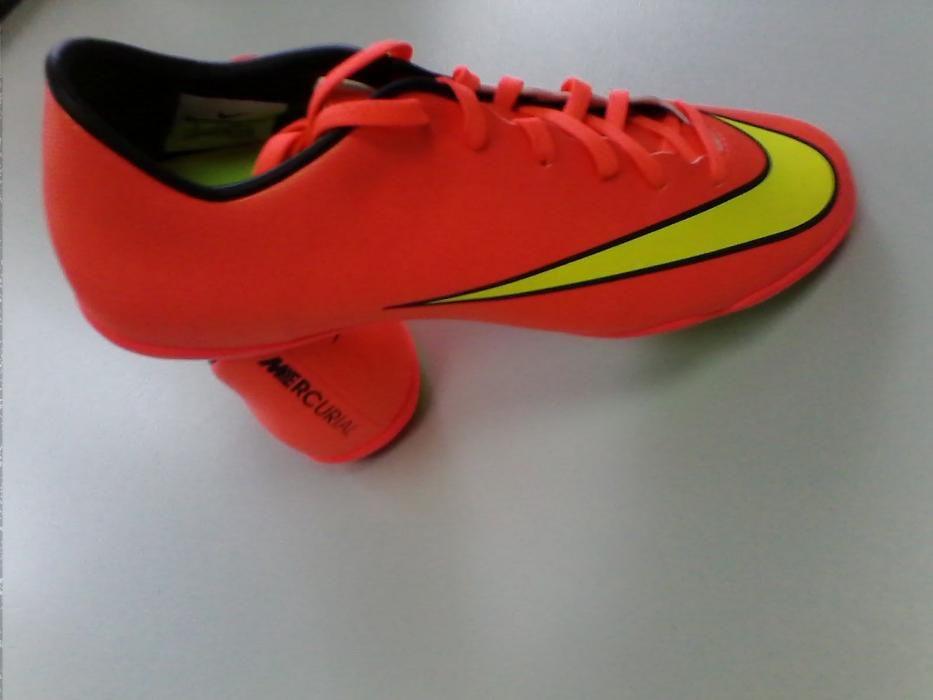 Sapatilhas FUTSAL Nike Mercurial Victory nº 42,5 novas