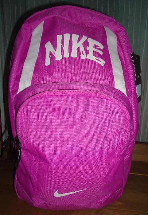 Mochila Nike almofadada, nova c/etiqueta!