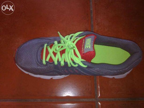 Arquivo: Sapatilhas desporto Nike Viseu • OLX Portugal