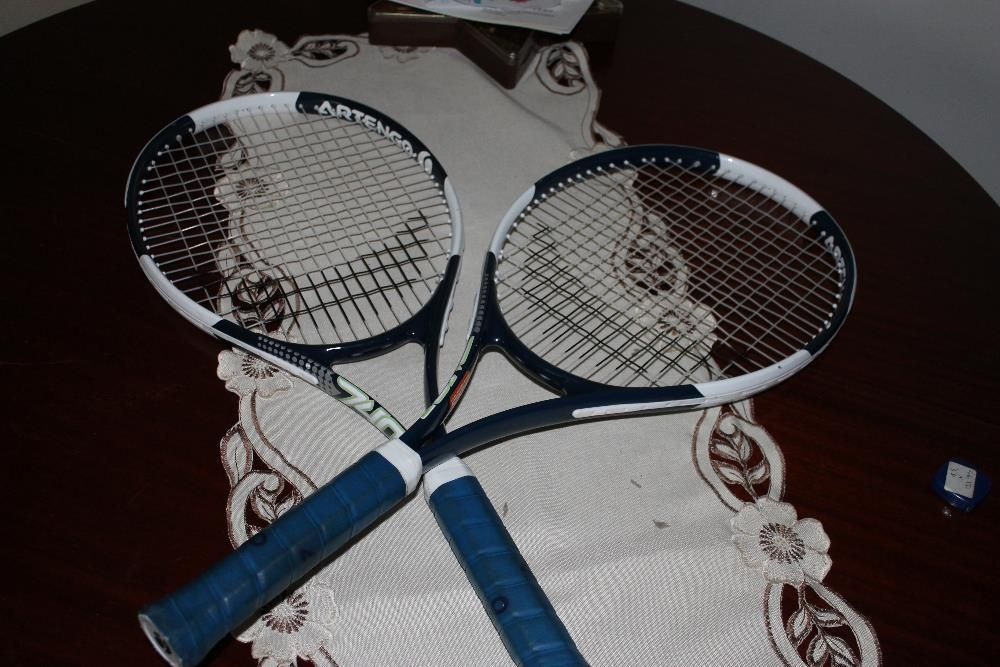 duas raquetes como novas para jogadores principiante,baixa de preço