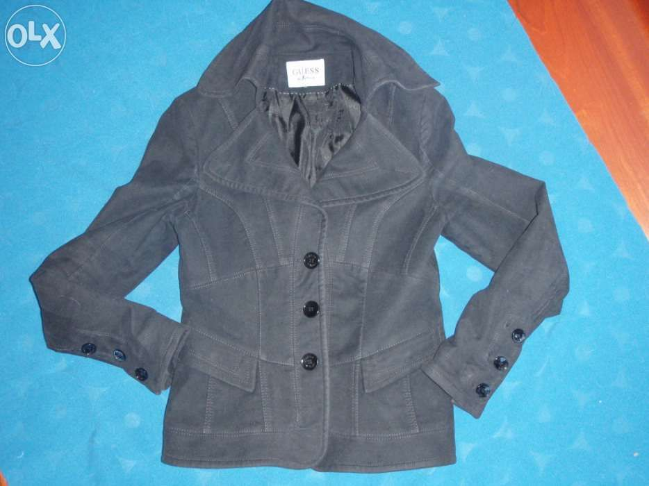 44183d8151 Casacos Guess - Roupa - OLX Portugal
