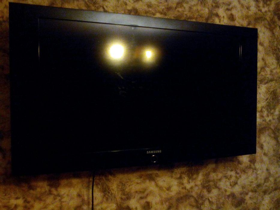 LCD телевизор Samsung LE40A330J1XUA диагональ 40  Full HD обмен