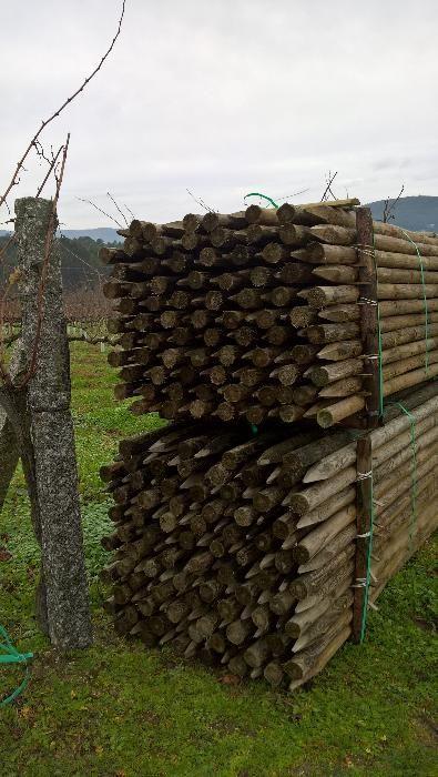 Postes de madeira tratados