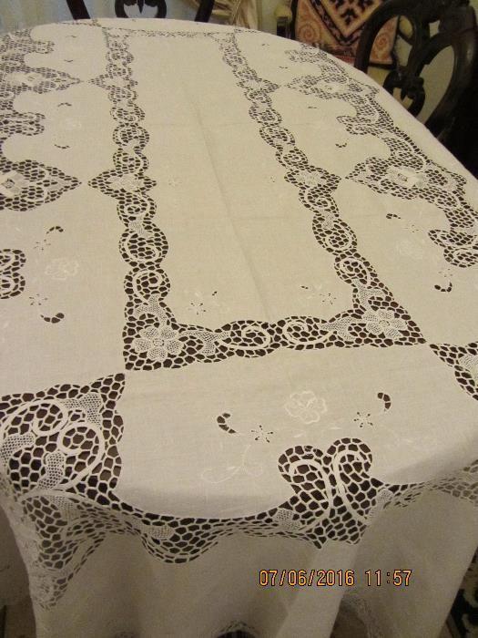 Toalha de Mesa em Renda Veneza (Branca) - Agualva E Mira-Sintra - debeb4dc7d151