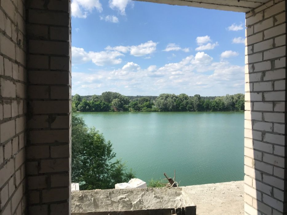 Продам однокомнатную квартиру в Ирпене, видовая на озеро!!