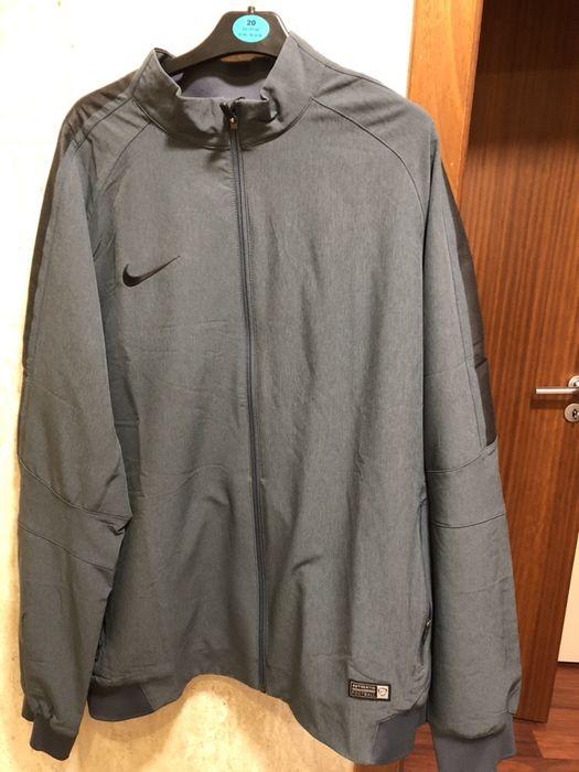 Casaco impermeável Nike XL
