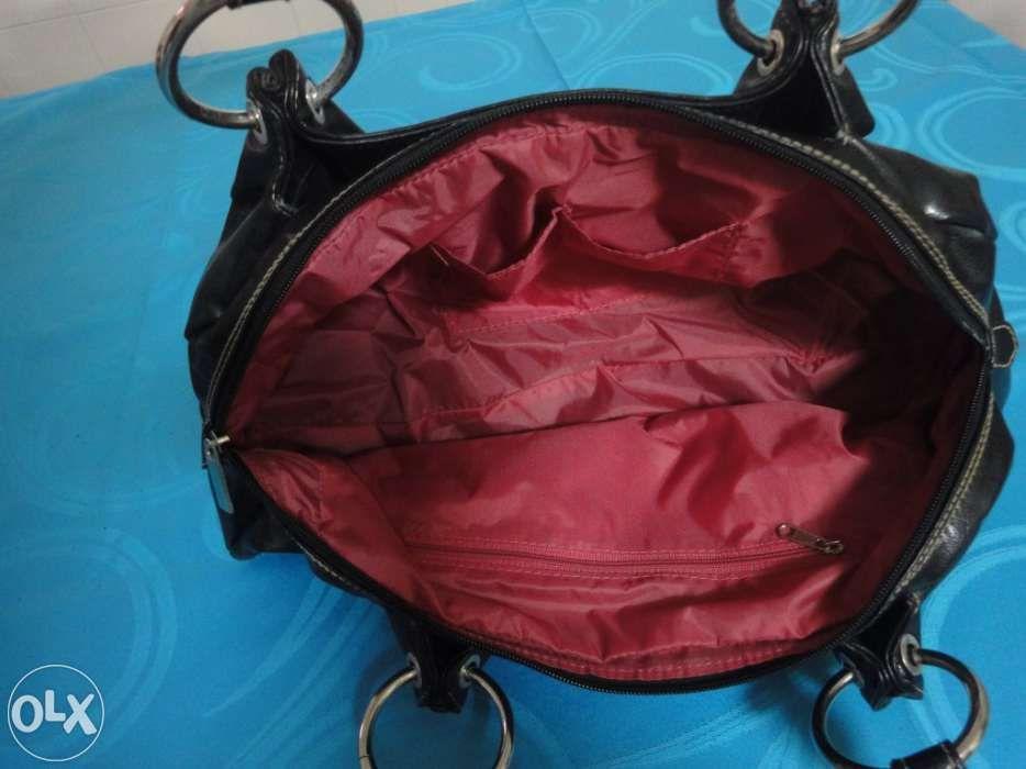 Mala de Ombro de Senhora Preta Charneca De Caparica E Sobreda - imagem 7