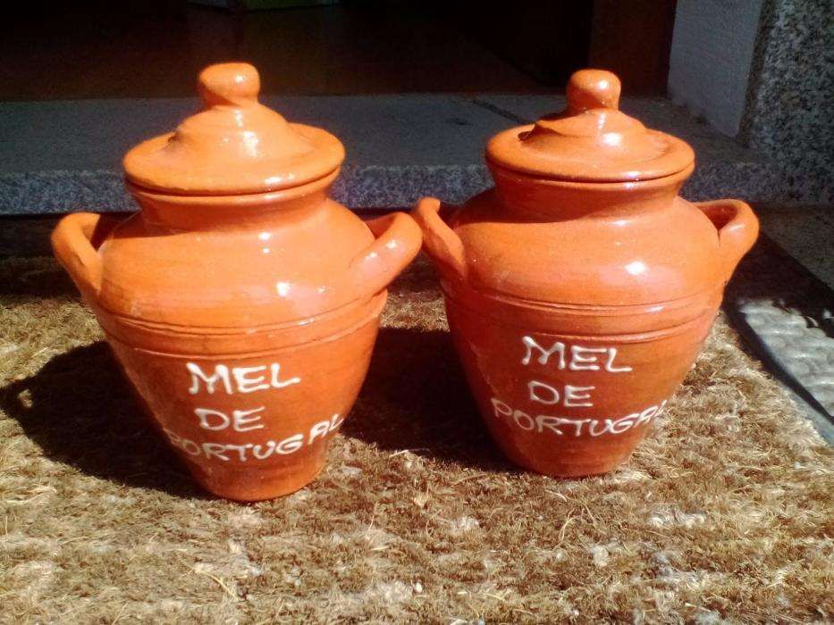 Potes de Barro vazios para Mel (0,5kg) p/desocupar