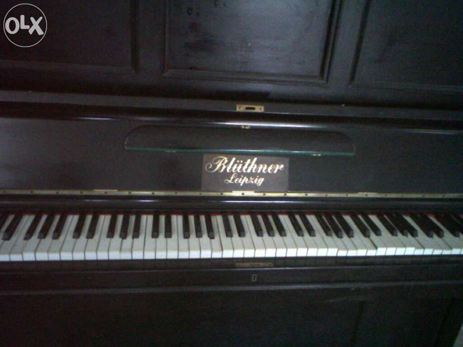 Piano muito antigo
