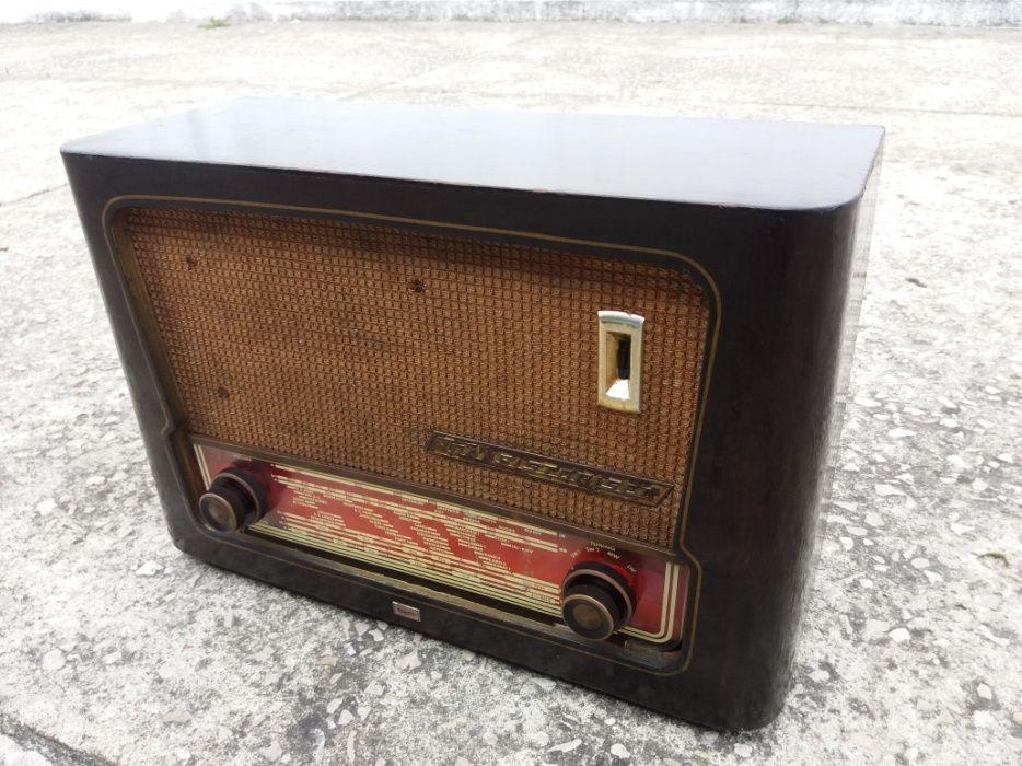 Rádio válvulas antigo/vintage