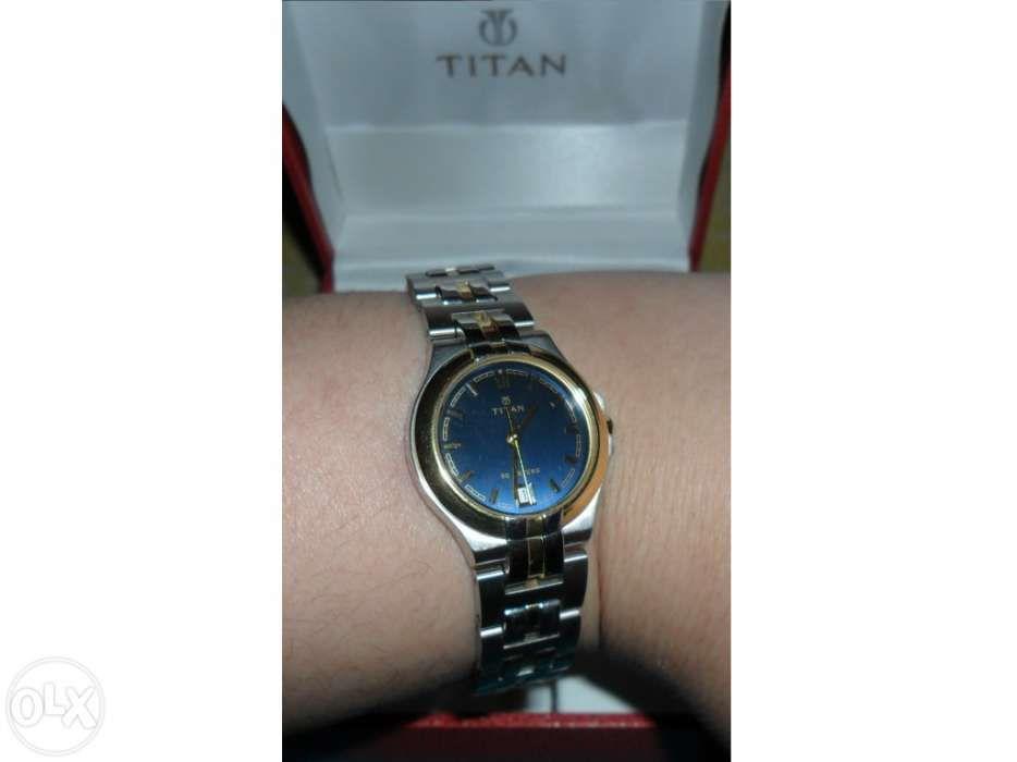 a3d8c269ddc Relógio de senhora Titan nunca usado com caixa