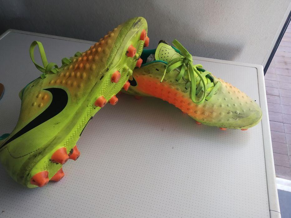 Chuteiras Nike Magista Moreira de Cónegos • OLX Portugal fb2824657ea6a