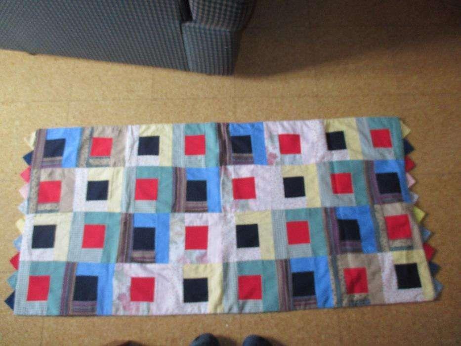 Tapete geométrico- trabalho manual em tecidos