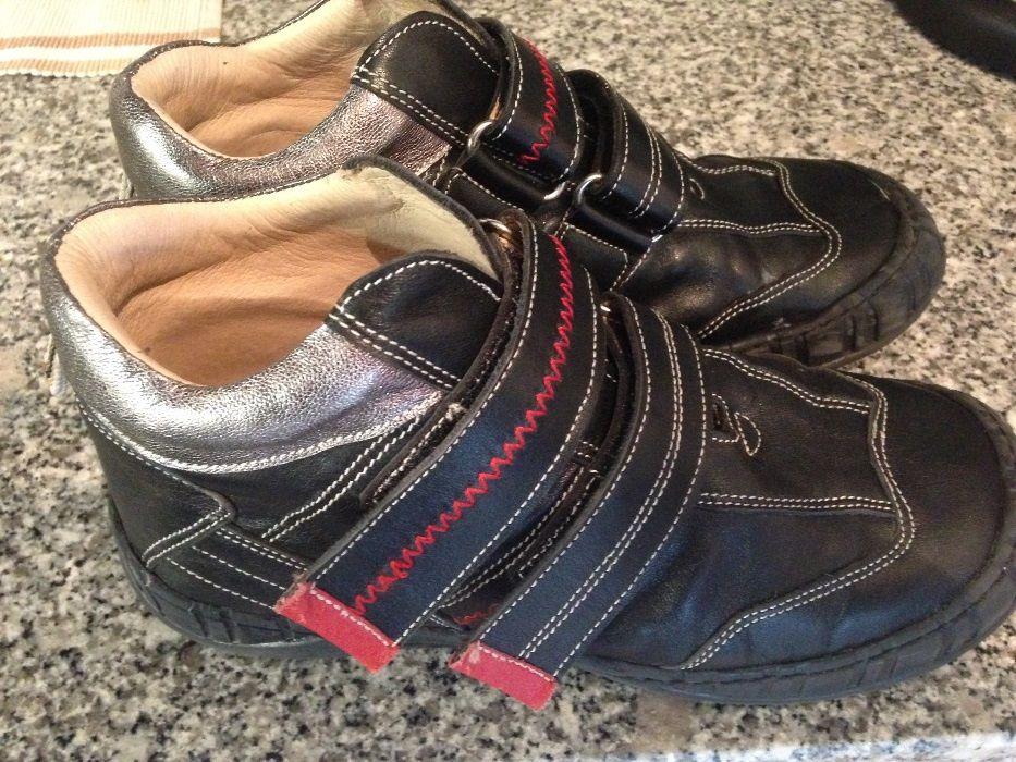 Sapato/sapatilha menino 33