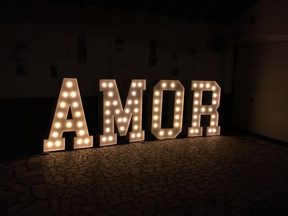 "Letras ""AMOR"" para eventos"