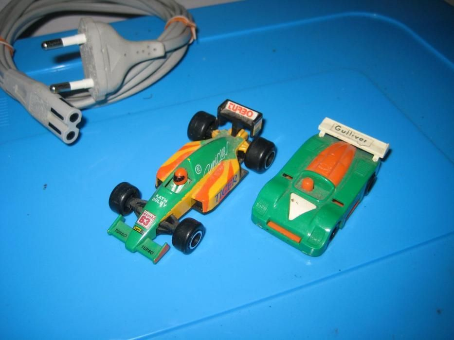 2 miniaturas carros desporto clássicos incl 1 guliver
