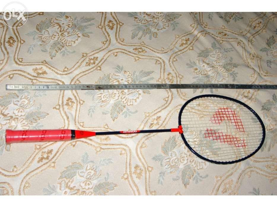 Novo a estrear (punho plastificado). raquete de badminton donnay