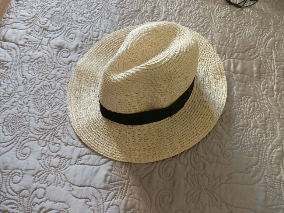 Chapeu S - Moda em Porto - OLX Portugal c2a27c8dca1