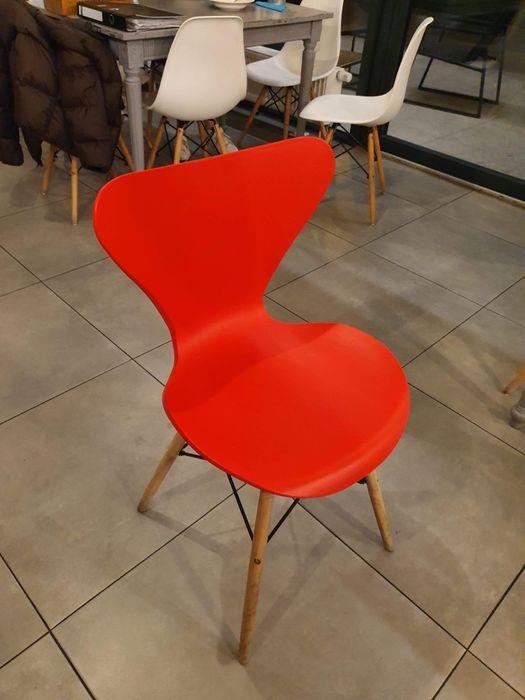 Czerwone krzesło Warszawa Wola </p>      </div>     </div> </div>   <div class=