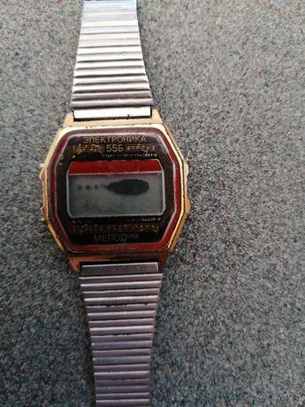 Продам электроника часы камней 17 продам золотые часы
