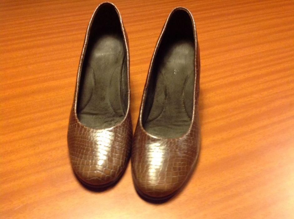 4d1072ff9 Sapatos nº 40 Compra, venda e troca de anúncios - encontre o melhor ...