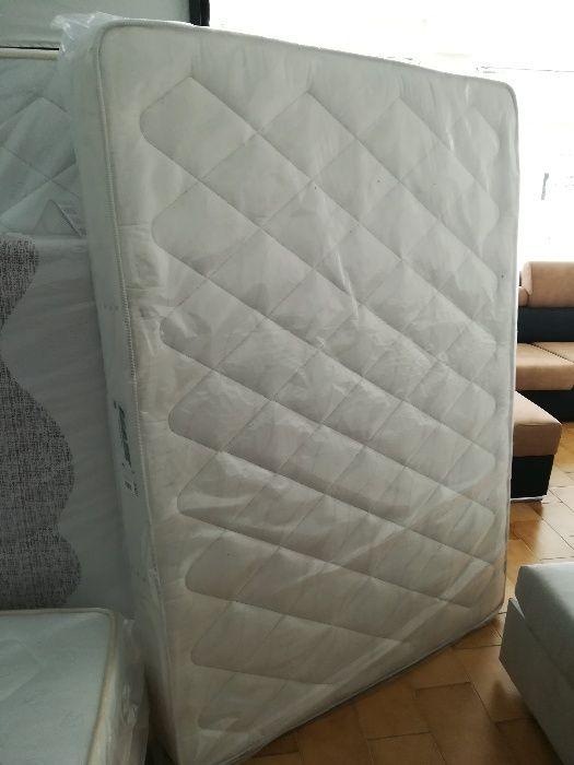 Colchão de molas novo de fábrica 190 cm x 160 cm