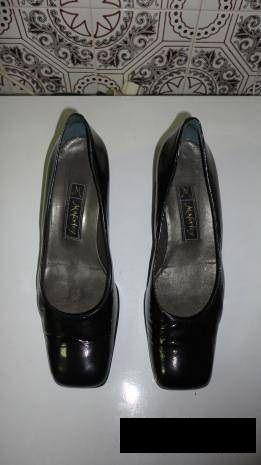 a6a17b6b1e Sapatos de senhora em pele verniz preto Maferley - Mina De Água - Sapatos de