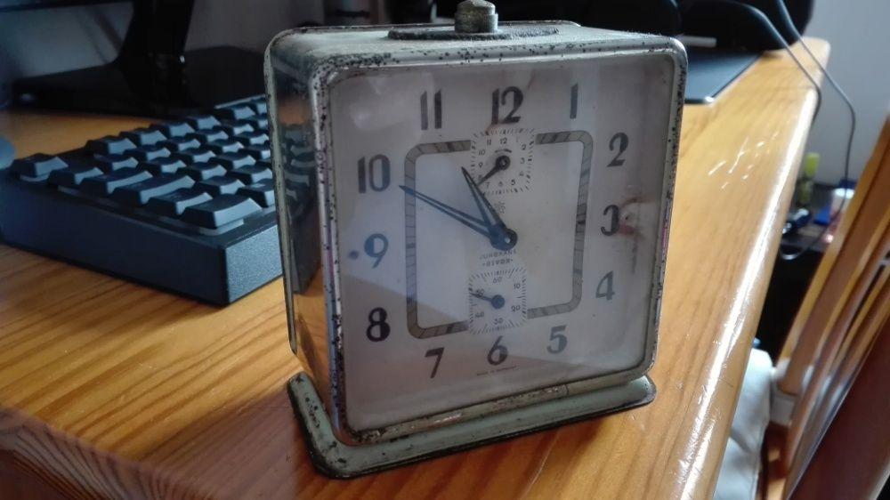 c56cce28924 Relógio despertador Junghans