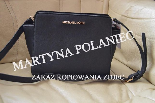 Czarna torebka MK selma mała mini listonoszka na ramię