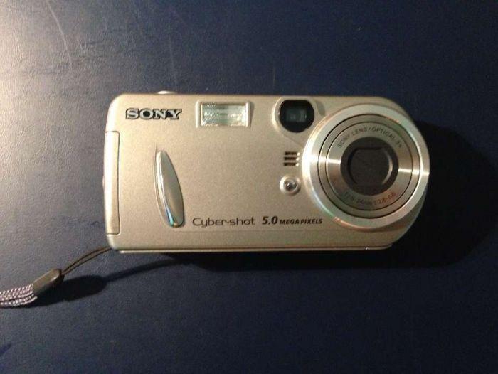 Máquina fotográfica Sony DSC P92
