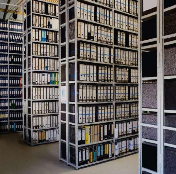 Estantes de arquivo metálicas