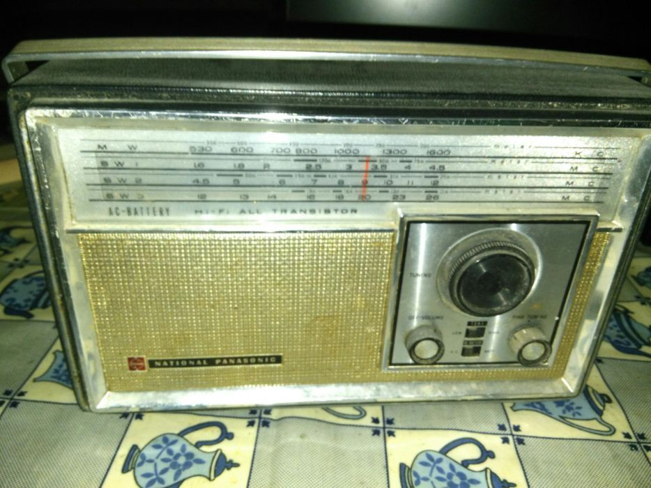 Radio National Panasonic Model R-441B