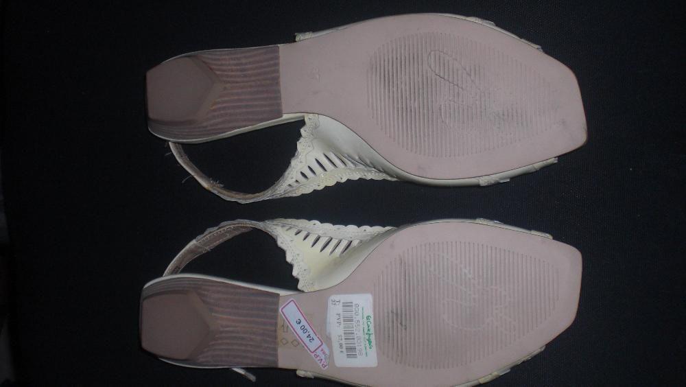 a523e913f Sapatos de cor creme marca do El Corte Inglês 1/3 do preço Carnaxide ...