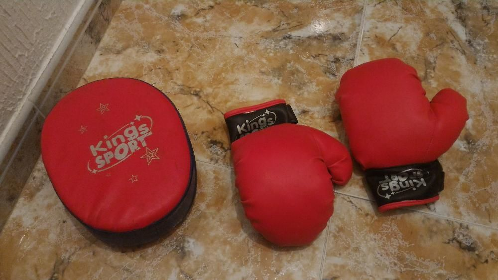 Conjunto de boxe para criança
