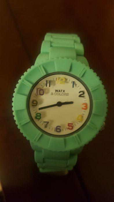 bc4e2241ced Relógio e 5 Braceletes Watx   Colors Faro (Sé E São Pedro) • OLX ...