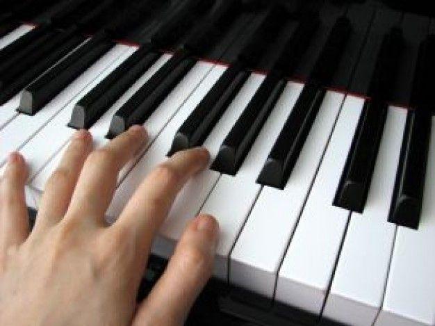 Aulas particulares de piano sem limite de idade crianças ou adultos