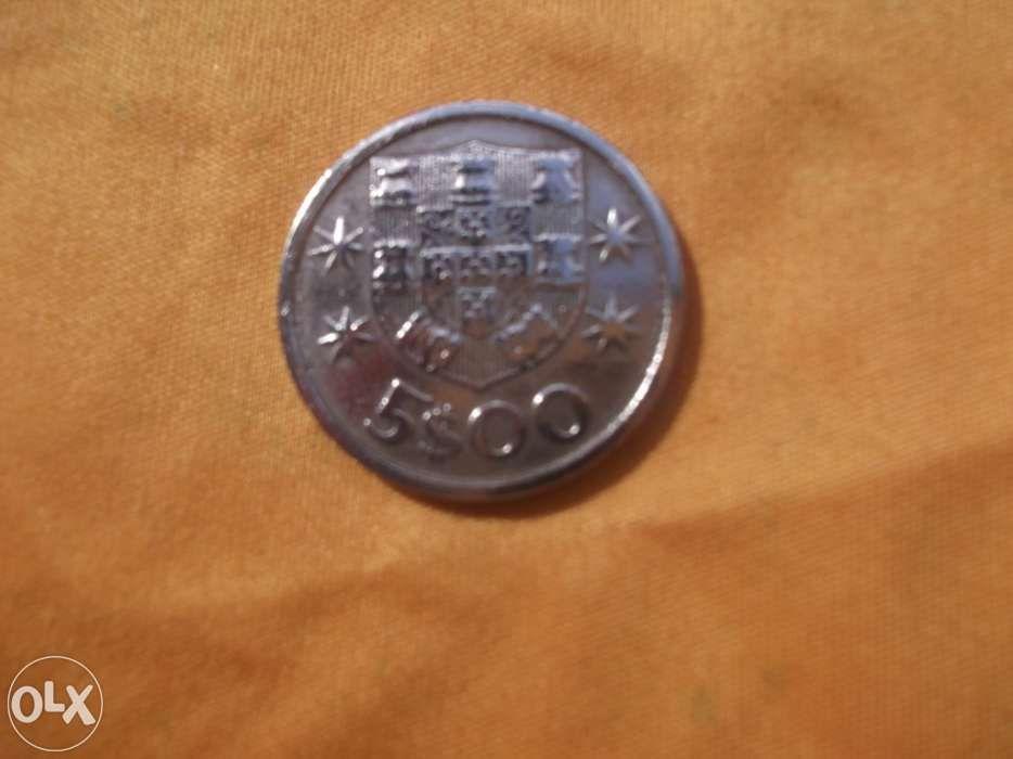 Moeda portuguesa 5$00 1966