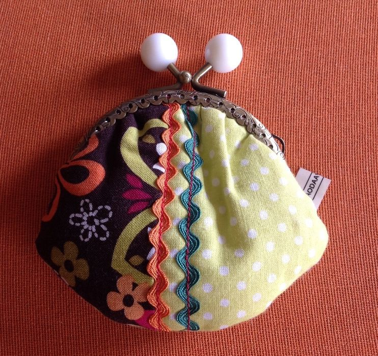 Porta moedas artesanal em tecido - O Sótão da Avó