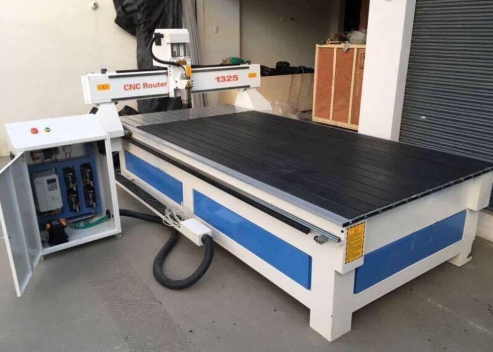Fresadora/CNC 1300x2500mm motor de 5.5kw
