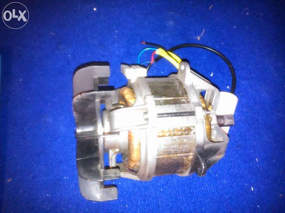 Motor de máquina cortar relva Black & Decker