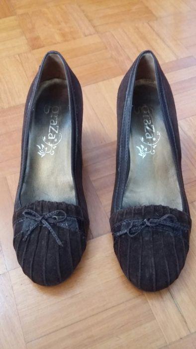 Sapatos castanhos de veludo, marca Graza