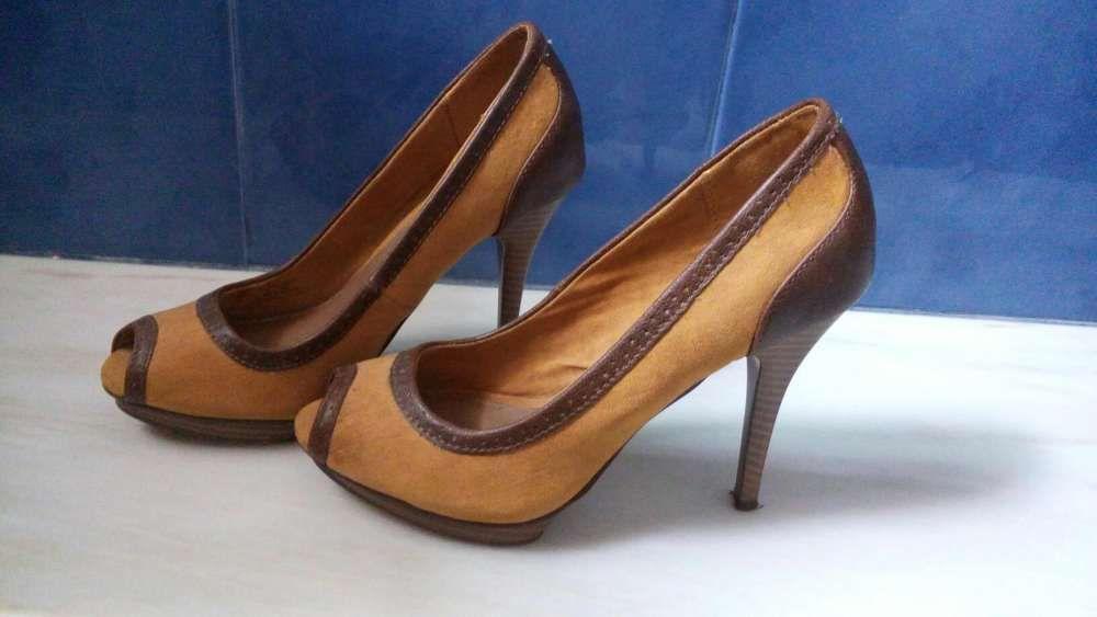 44a7d9002 Sapatos 37 - Calçado em Porto - OLX Portugal