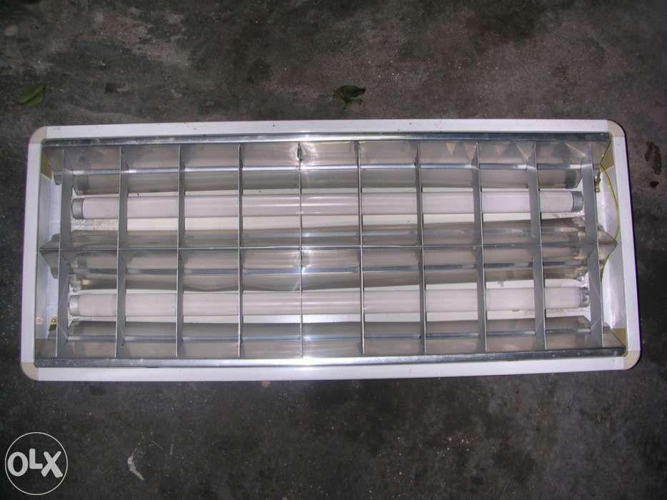 Armaduras c/ lampadas fluorecentes