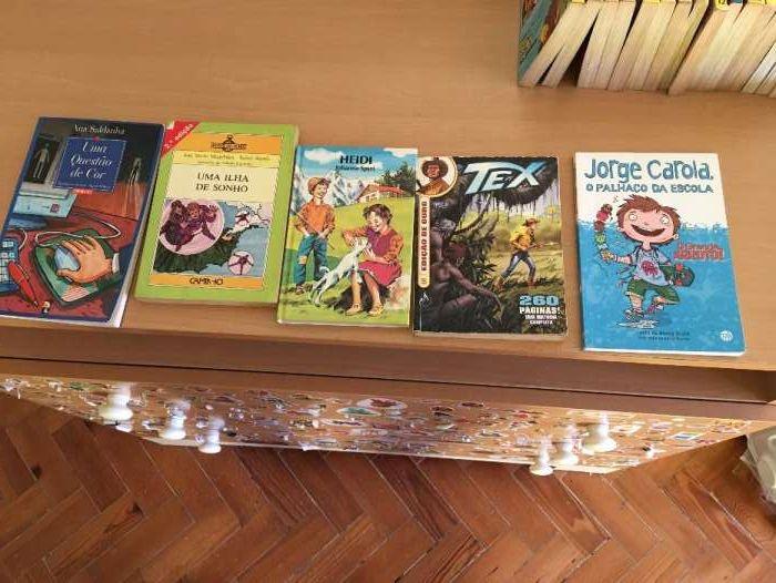 Livros infantis/ juvenis