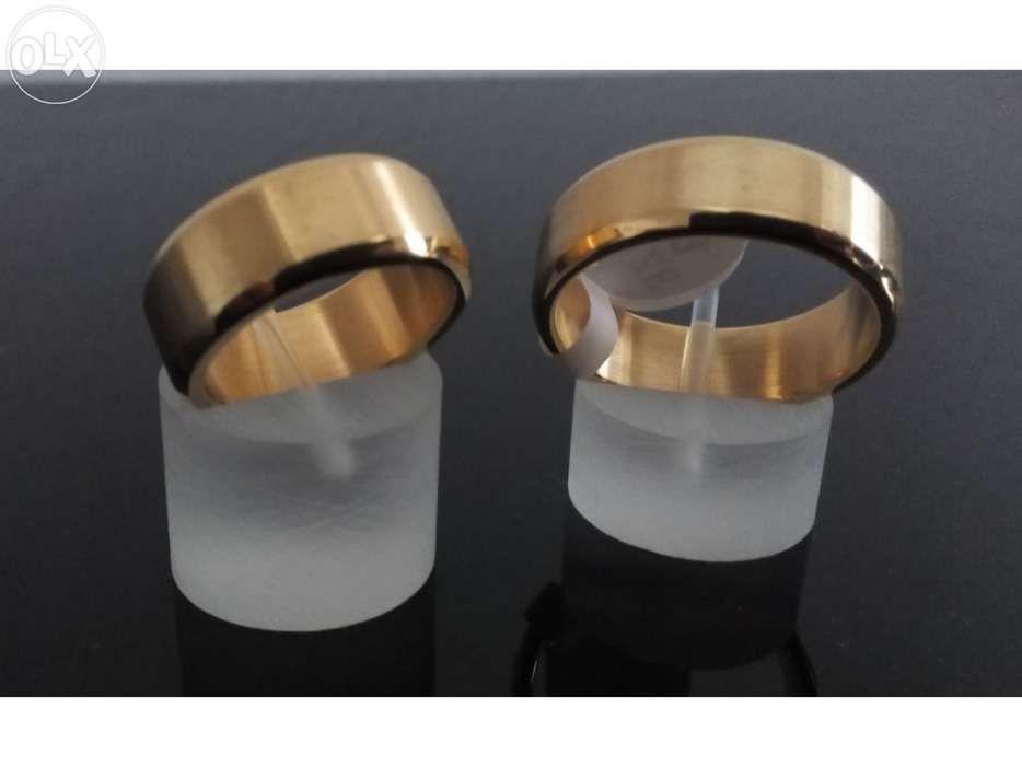 ef44f2759e9 Par de Alianças namoro - compromisso - casamento em ouro laminado 18K