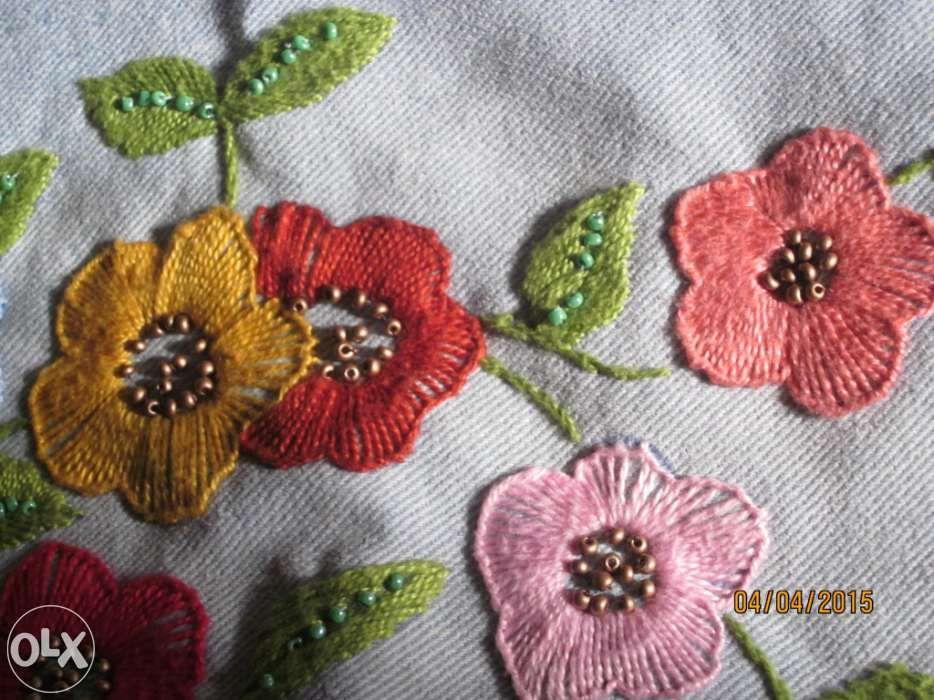 Blusãocasaco de ganga bordado com flores Matosinhos • OLX