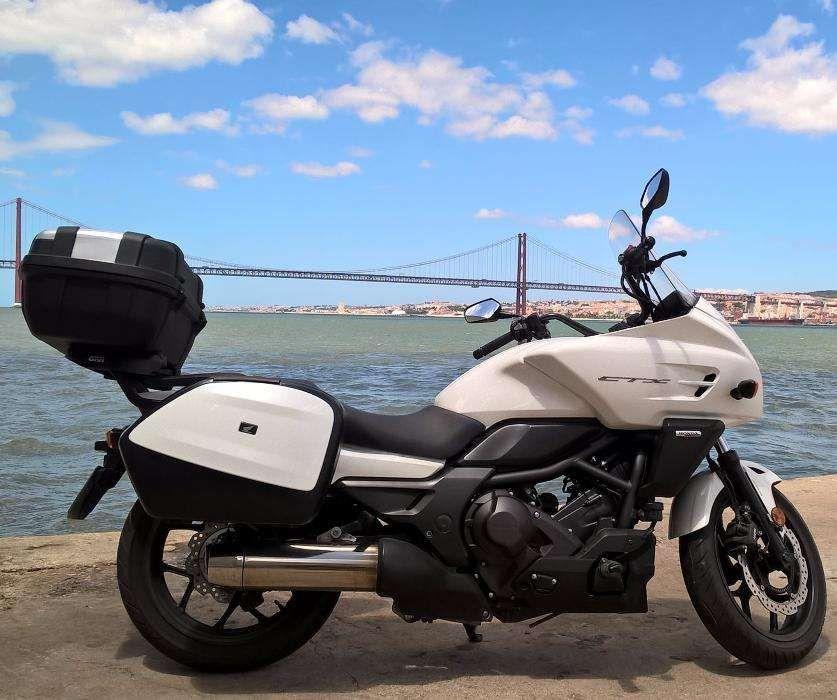 Honda CTX 700 D - 2013 - 18.000 Kms - DCT , ABS (Com malas)